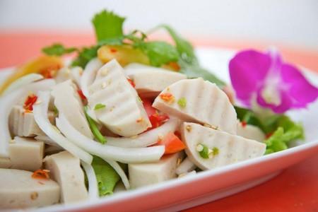 yum dishes in Thailand, things to eat, thai food, street food, yum mhoo yor